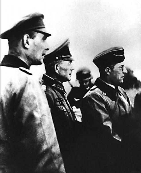 27. Командующий 2-й танковой группой генерал-полковник Г. Гудериан