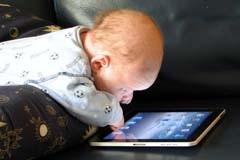 Ребенок во власти экранной зависимости