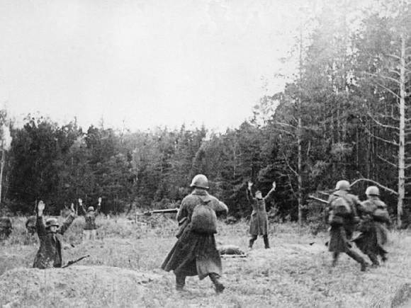 47. Штыковая атака советских воинов. Западный фронт, октябрь 1941