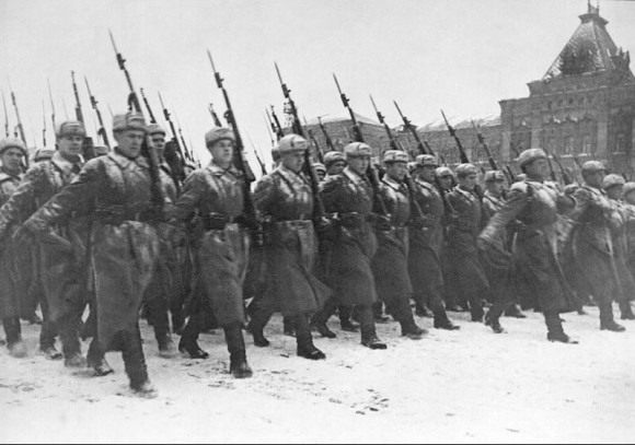 49. С парада на фронт. 7 ноября 1941 г.