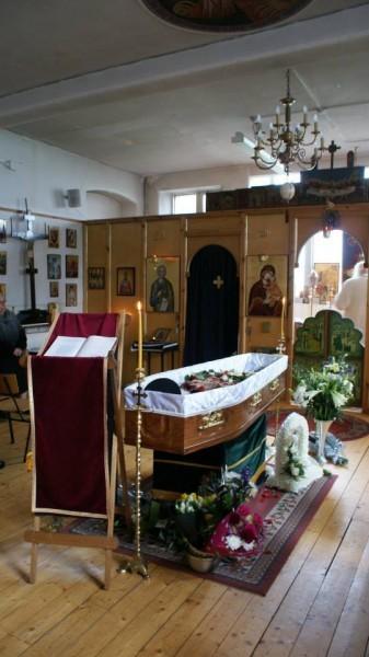 Прощание с отцом Джоне в приходе Апостола Андрея
