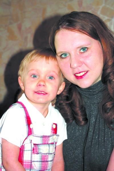 Ирина Харькова с сыном Егором. Фото: vlg.rodgor.ru