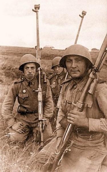 Бронебойщики, подбившие в боях Прохоровки по пять вражеских танков
