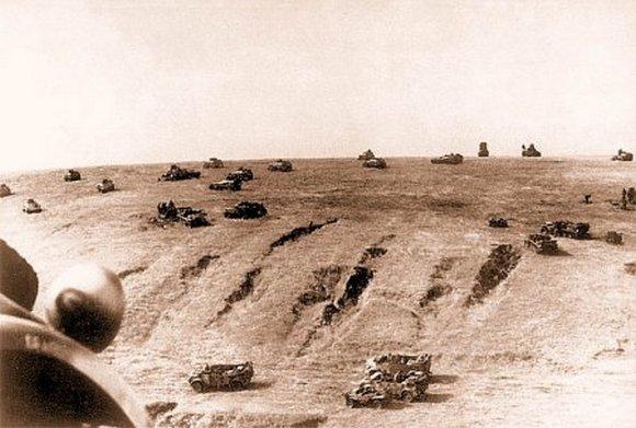 Немецкая моторизованная часть в наступлении, р-н Прохоровки июль, 1943 г.