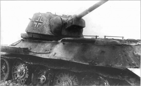 Немецкий Т-34 дивизии «Дас Райх», подбитый расчётом орудия сержанта Курносова. Прохоровское напр. 14–15 июля 1943 г.