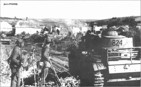 Танки 6-й танковой дивизии на подходе к Прохоровке.