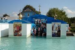 Источник святой Анны и собор непосед