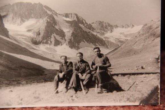 Раватская экспедиция, Таджикистан, Гисарский хребет, в центре – молодой геолог Елизавета Шик