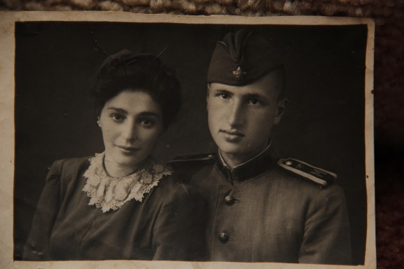 Сергей Михайлович Шик с супругой Сусанной Яковлевной, 1942 год