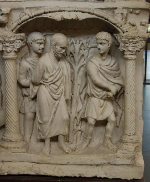 Казнь ап. Павла. Фрагмент рельефа саркофага Юния Басса. Ок. 359 г. Музеи Ватикана