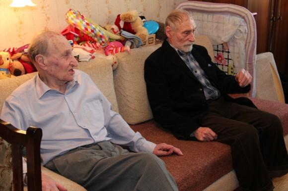 Сыновья отца Михаила Шика, Сергей Михайлович Шик и Дмитрий Михайлович Шаховской, дома у Сергея Михайловича