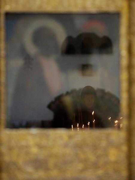 19.В советское время, с 1929 года в обители размещался клуб Санпросвета. Фрески Нестерова закрасили, а в алтаре, на месте престола, водрузили огромную статую Сталина