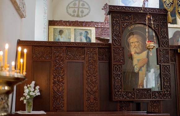 27.В храме находится мантия прп. Серафима Саровского