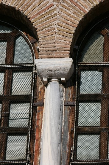 29039-sant-apollinare-classe-ravenna-facade-window-detail