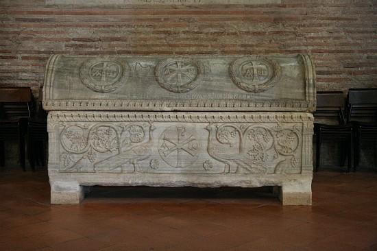29250-sant-apollinare-classe-ravenna-sarcophagus-theodorus