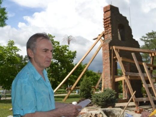 Скульптор Алан Корнаев, фото: krymsk-region.ru