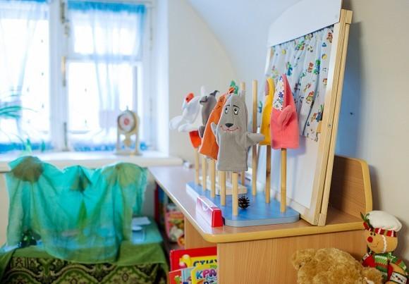 52.В помощь семьям, где есть дети-инвалиды, в Марфо-Мариинской обители создана Группа дневного пребывания для таких деток. Одновременно в группе может находиться до 8 детей