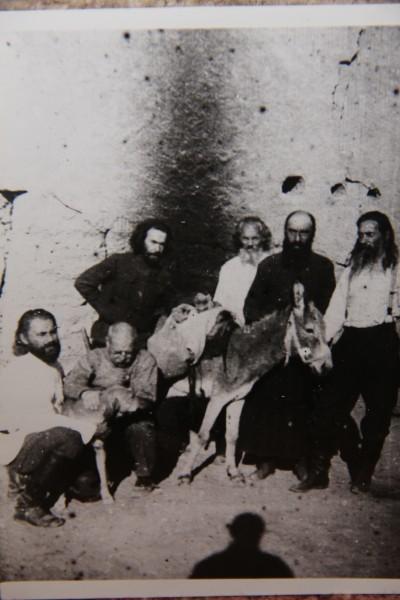 Ссыльное духовенство в г.Турткуль, 1926 год. Второй слева – отец Михаил Шик