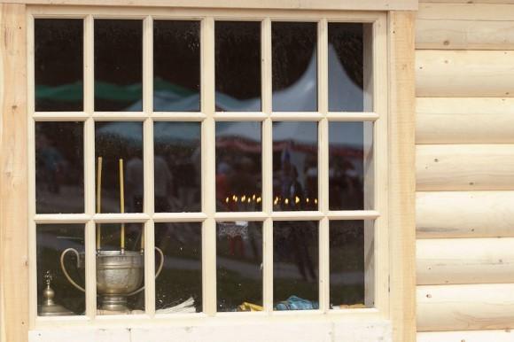 Епископ Истринский Арсений совершил чин освящения этого храма. По окончании фестиваля этот храм-часовню, вмещающую около 30 человек, передадут одному из православных приходов