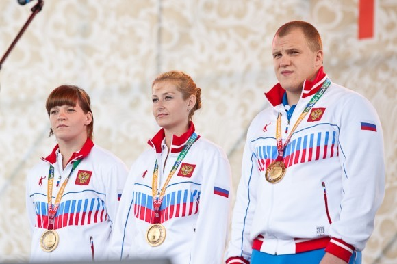 Почетные гости фестиваля – победители казанской Универсиады
