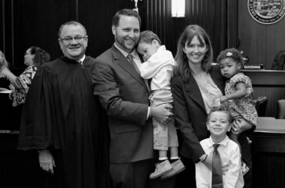 День, когда мы усыновили троих наших детей.