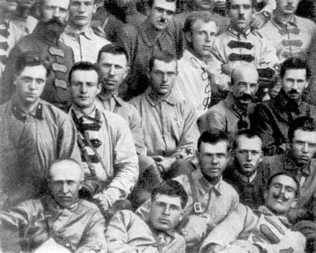 К. Рокоссовский среди участников борьбы с Унгерном. 1923 год.