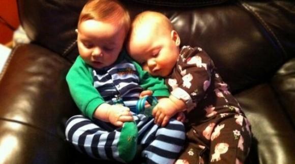 Лучший день за 6 месяцев с тех пор, как появились на свет мои близнецы. Они наконец-то заснули!