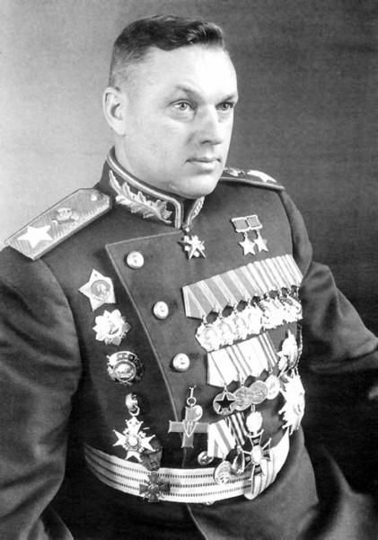 Маршал Советского Союза Рокоссовский К.К. перед парадом Победы 1945 год