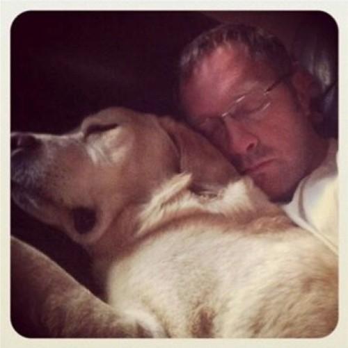 Последний совместный снимок с моим лучшим другом Харли где-то за месяц до его смерти от рака.