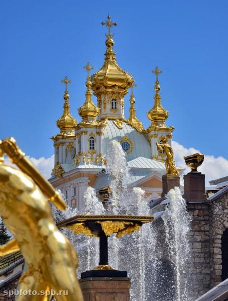 Церковный корпус Большого Дворца в Петергофе.