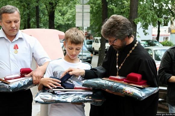 Валерий и Анатолий Минины и отец Григорий