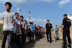 «Лагеря» для незаконных мигрантов – прибыль у одних, страдания другим?