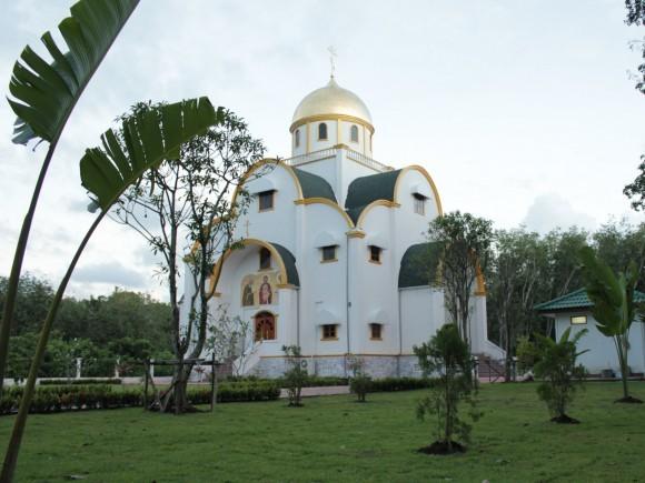 Храм во имя Св. Живоначальной Троицы на о. Пхукет