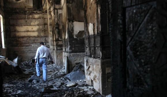Сожженная коптская церковь в Минье  Фото: EPA