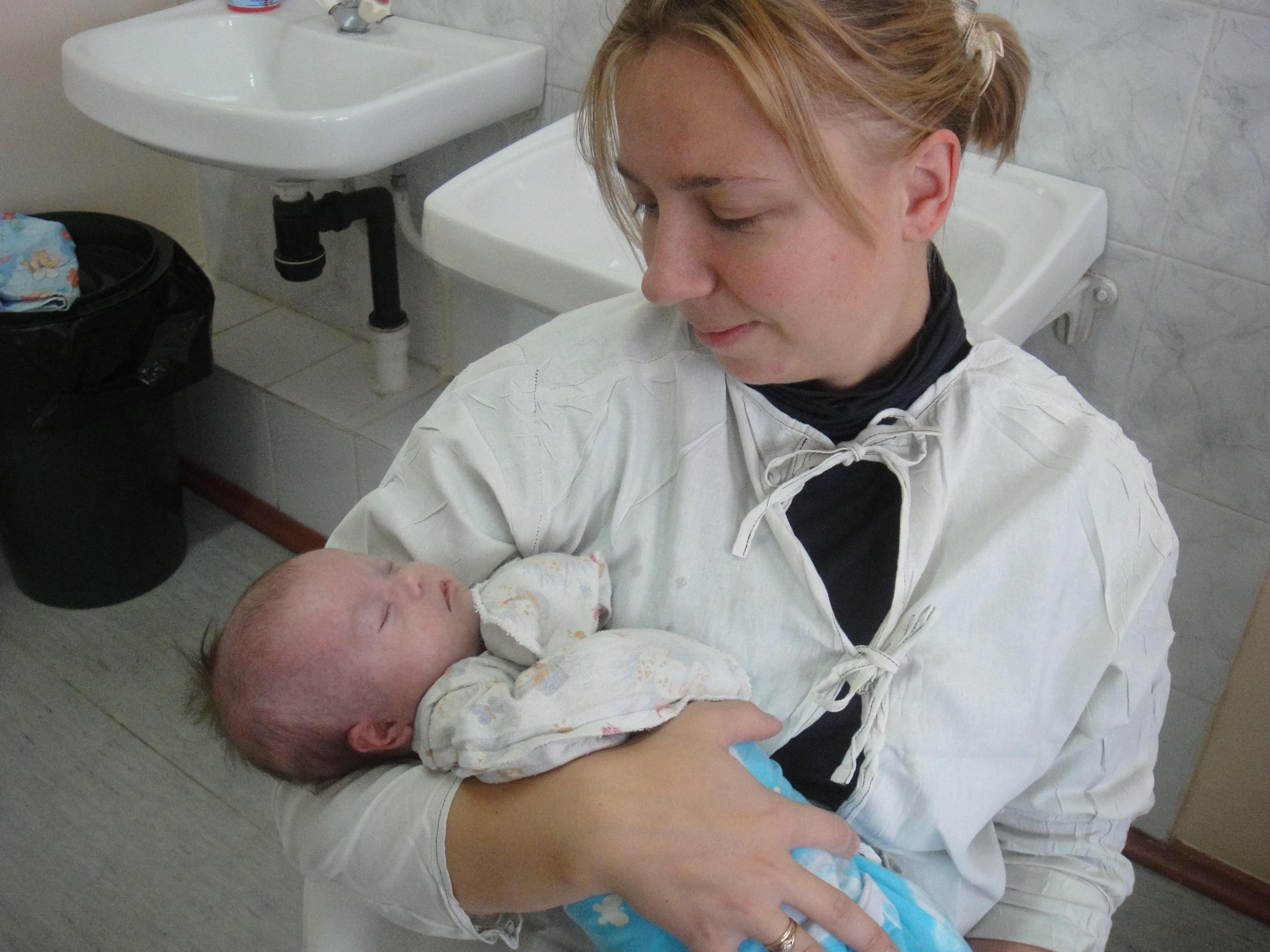 Фото ребенка дауна в роддоме