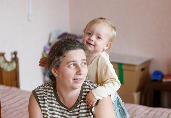 У Нины – шесть детей. Старший – Володя – уже живет отдельно. Младшая, двухлетняя Анечка, считает, что самый главный человек на земле – это «мамочка»
