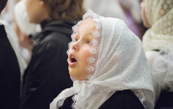 «Верую!». Символ Веры поют хором все гимназисты