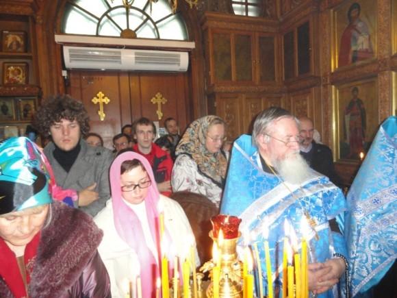 Молебен в часовне Иверской иконы Божией Матери