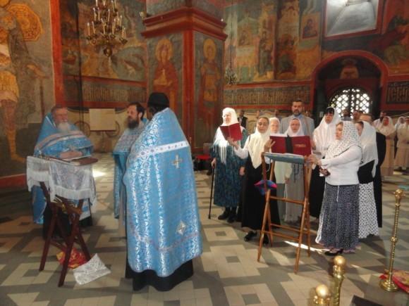 Молебен в Смоленском соборе Новодевичьего монастыря