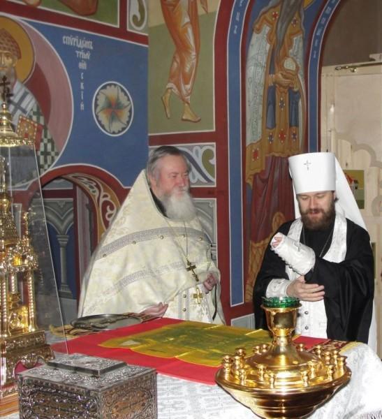 В алтаре с владыкой Иларионом (Алфеевым)