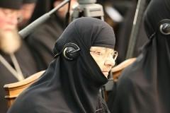 Монастыри и монашество. Традиции и современность