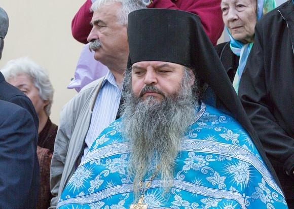Игумен Георгий (Бестаев) должен был приехать 1 сентября 2004 года в Беслан, провожать в школу двух своих племянников. Поездка отложилась из-за работы, а утром 1 сентября он узнал о том, что оба его племянника взяты в заложники