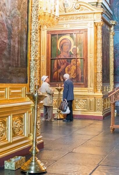 В середине XVII века по благословению наместника Новоспасского монастыря, будущего Патриарха Никона, на Афоне была написана и доставлена в Россию копия Иверской чудотворной иконы Божией Матери, ставшая одной из самых почитаемых московских святынь