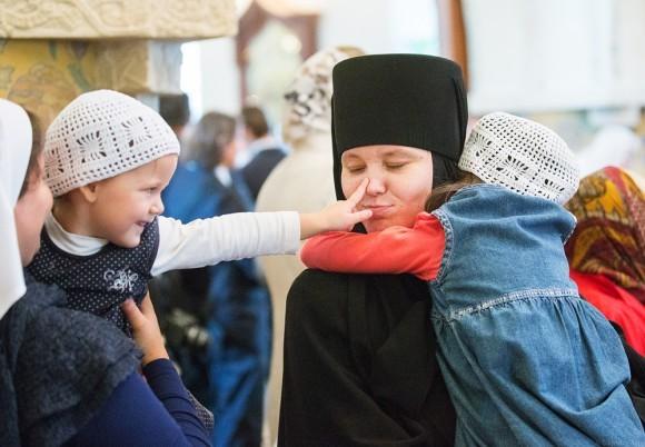Дети из детского дома при обители тоже обучаются в гимназии