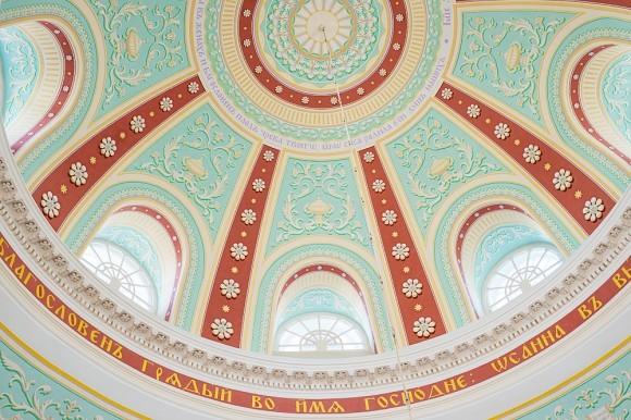 Это «небо» Знаменского храма. По преданию , именно в этом храме были захоронены тела Никитичей, пострадавших в годину царствования Бориса Годунова, но где сейчас их захоронения – неизвестно