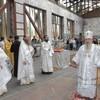 В стенах спортзала школы № 1 Беслана архиепископ Зосима совершил Божественную литургию