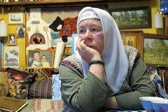 Суд о мансарде над головой православной художницы