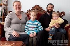 Мария Аль-Алаам: Я со шваброй, он в смокинге! – Русская матушка в Палестине
