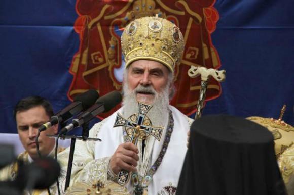 Сербский Патриарх просит Порошенко остановить захват храмов