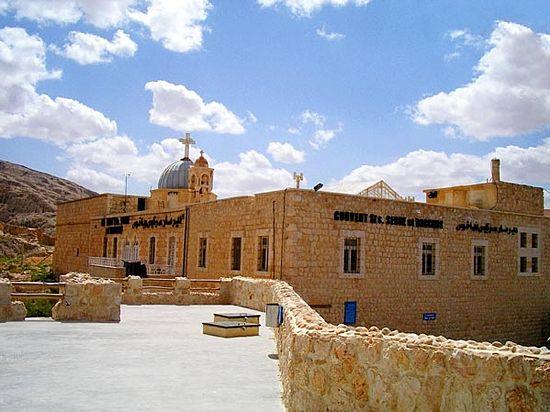 Храм свв. Серги и Вакха в Маалюле, разрушенных боевиками в сентябре 2013 года